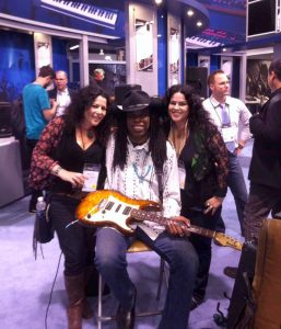 NAMM 01.2014 - Larry with Kelly and Heather from Fantasia SF