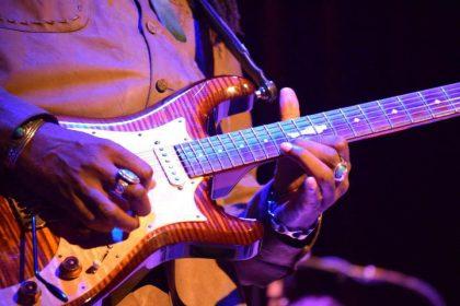 Guitars Knaggs Severn T2 Larry-Mitchell