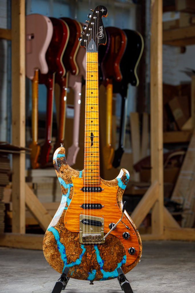 Larry-Mitchell-Spalt-Maple-Top